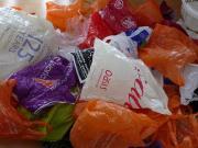 Des emballages plastiques non biodégradables..