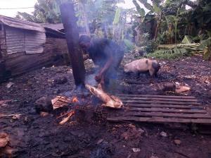 Mambanda, 25 août 2014. L'abbatoir des porcs est insalubre. Crédit photo @Mathias Mouendé Ngamo