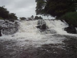 Kribi, 24 juin 2015. La chute d'eau mâle de la Lobé. Crédit photo @Mathias Mouendé Ngamo